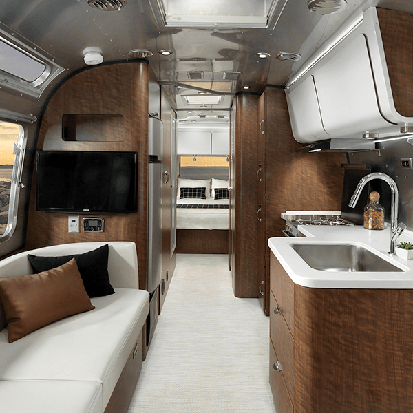 17-Airstream_MY18-Globetrotter_Design_Interior-Decor_Copenhagen-Cream_F2B.png